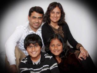 Lubna Mirza, MD with her family